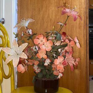 Vintage 1970s faux floral decor